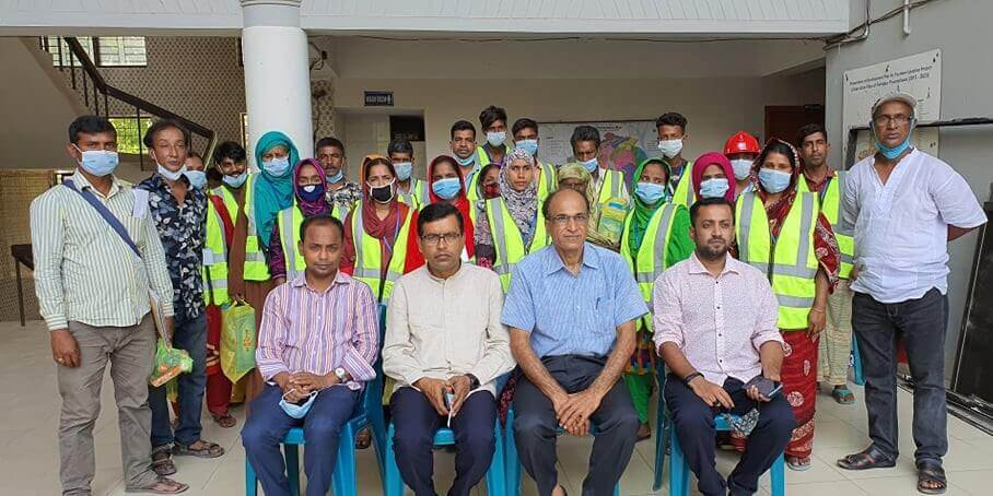 Endeavor to protect the health of frontline waste and sanitation workers from infectious diseases through capacity building